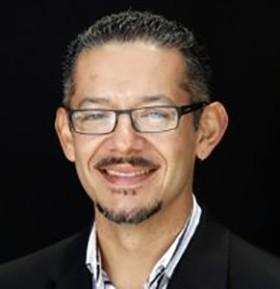 Social Media Speaker Juan Reyes