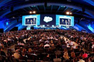 hire motivational business keynote speakers