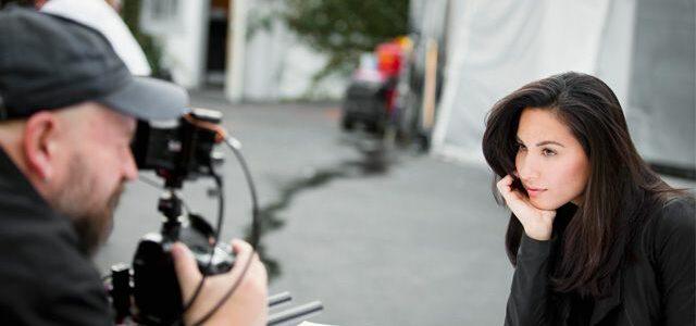 Olivia Munn endorse proactiv